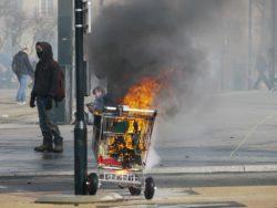 Autonome im Straßenkampf